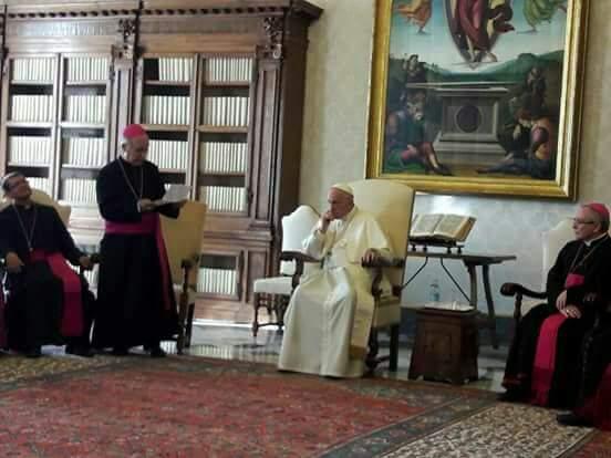 Obispo con Papa