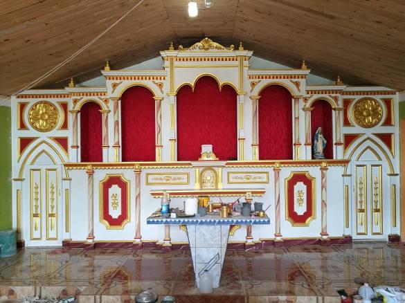 Altar nuevo en capilla de Tangüis