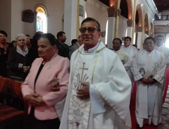 Padre Víctor Hugo.jpg